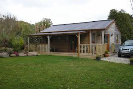 Comfortable log cabin in private gardens - Constantine