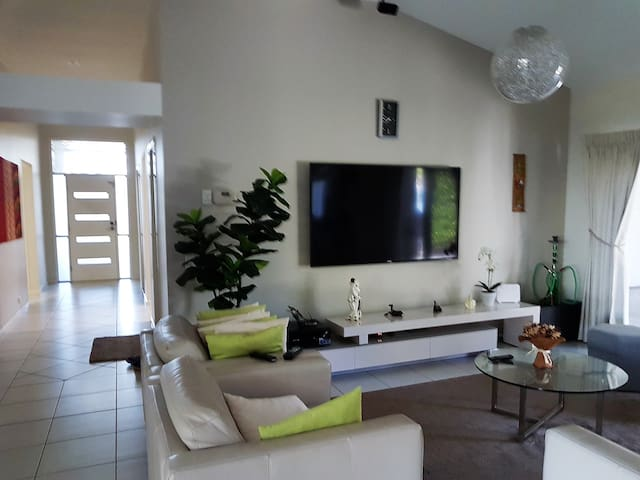 North Lakes Luxury  with loads of amenities