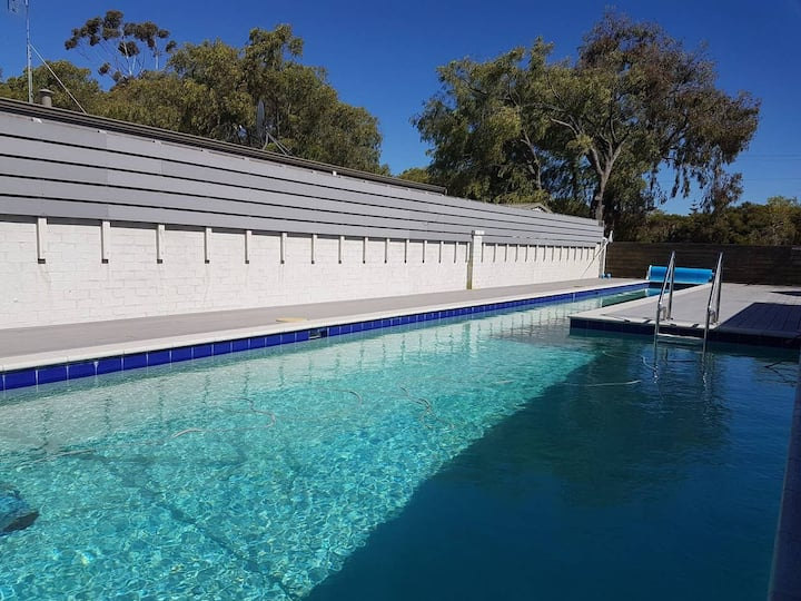 Dunsborough Beach Cottage sleeps 5