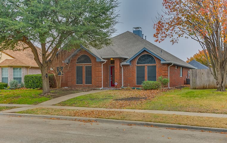 New ! Completed Renovated Home in Frisco