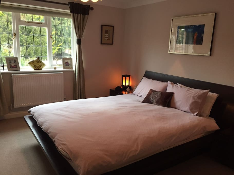 Beautiful spacious double room with ensuite bathroom; tea and coffee facilities