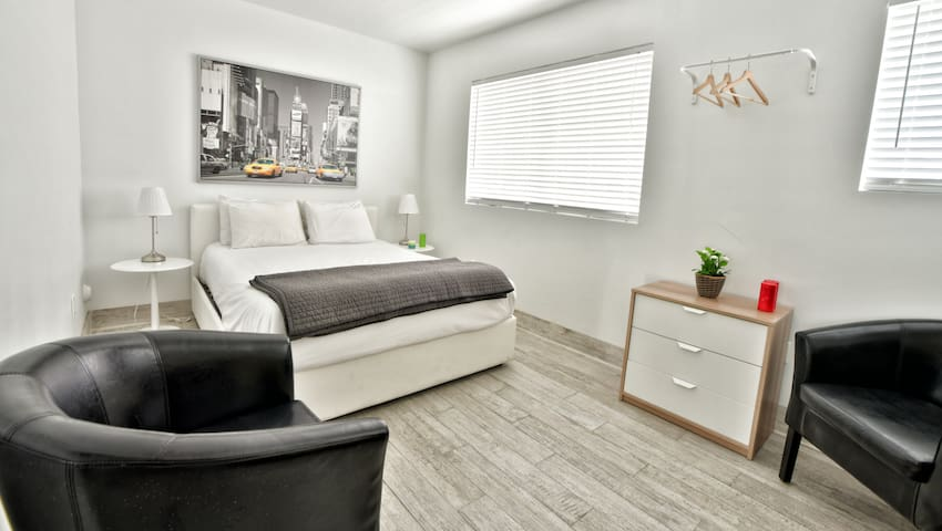 Amazing Brand New Two Bedroom Fully Renovated - Sleeps (6) | No Cleaning Fee - D
