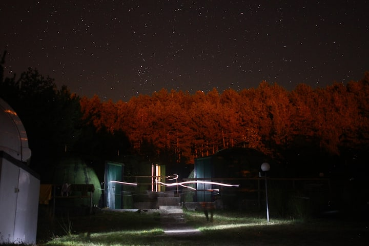 "Astrocamp ""dormire sotto le stelle"""