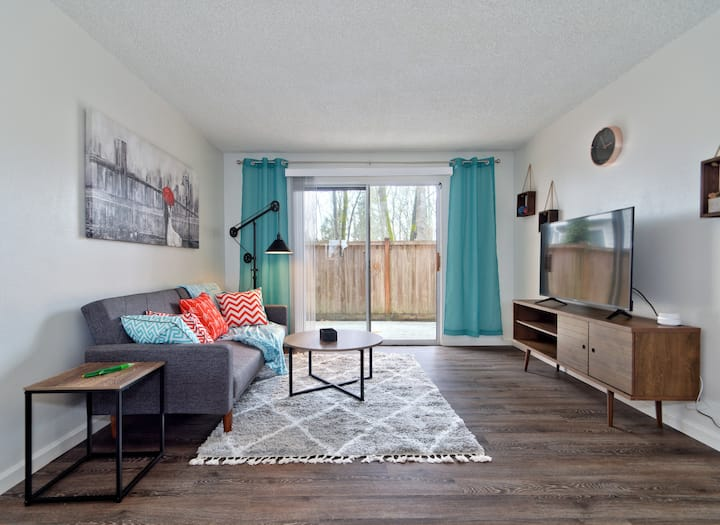 RT3- Private Spacious Modern 2BR Retreat