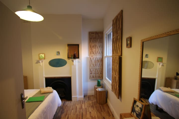 Artist's Room NEW