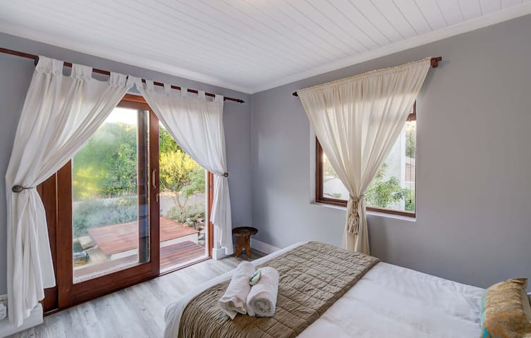 Mooizicht B&B-Double Room with Gardenview - Franskraal - Bed & Breakfast