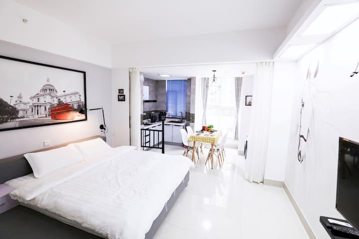 西安大雁塔/小寨/ 地铁2号线【LOTTO Service Apartment】北国风光
