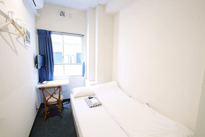 Semi-Double Room (Breakfast Included)