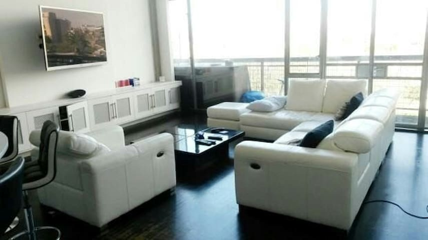 Stunningly Bright  2 Story Loft with 2 Bed/2 Bath - Londres - Loft