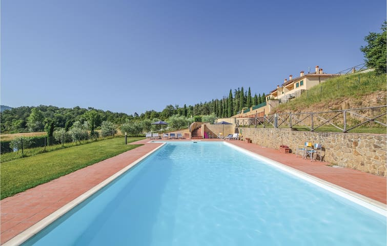 Terraced house with 3 bedrooms on 120 m² in Bucine -AR-