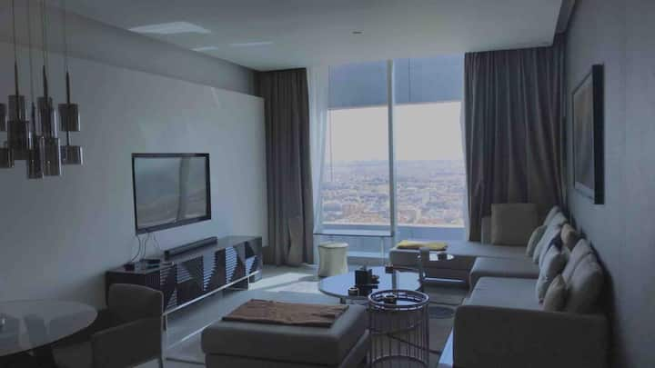 Self check-in, serviced luxury highrise apartment