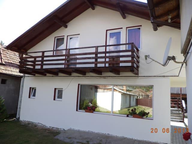Bella - Râșnov - Дом