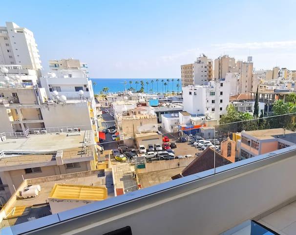 Sunny Daze Seaview Apartment