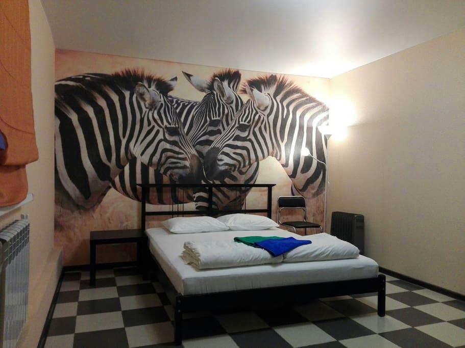Кровать с анатомическим матрасом 160*200см