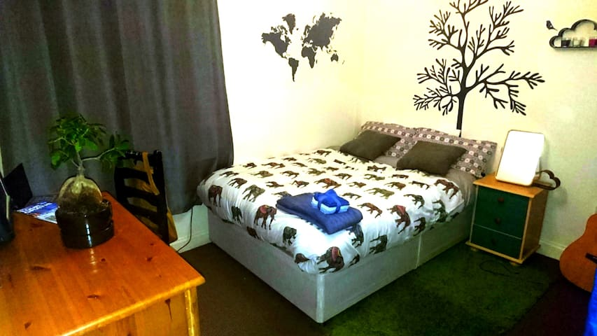 Beautiful and Clean double room in O'Connell St. - Dublin - Daire