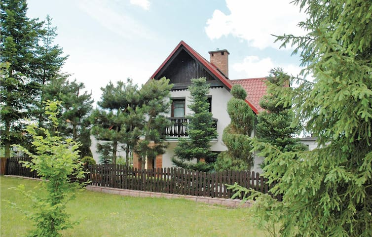 Holiday cottage with 3 bedrooms on 100m² in Rytel