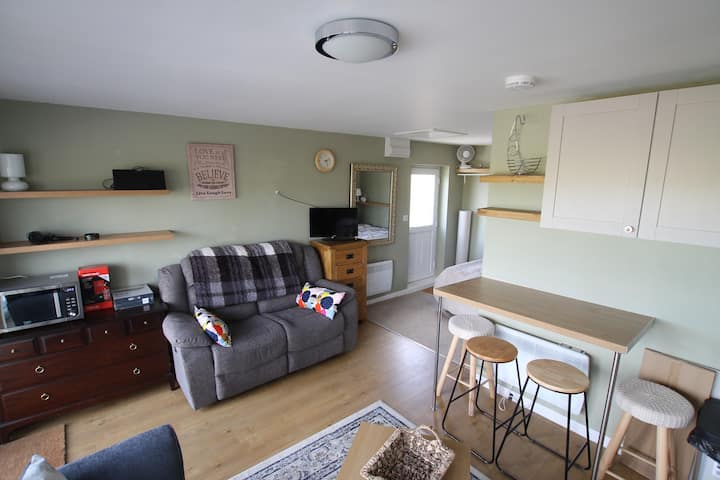Studio apartment sleeps 4, double bed and sofabed