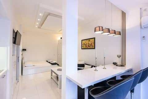 EV Studio in the Heart of Sofia, Zero-Waste & Cosy