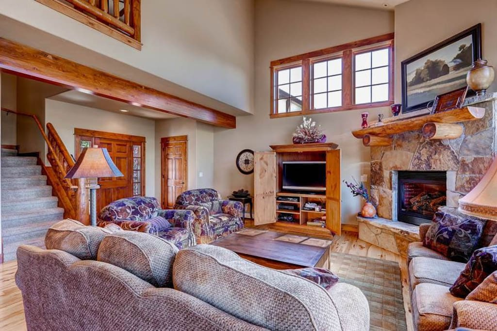 Entertainment Center,Couch,Furniture,Fireplace,Hearth