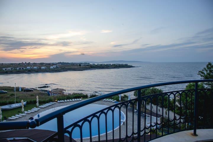 Sunset Vibes in Arapya - Breathtaking Views + POOL