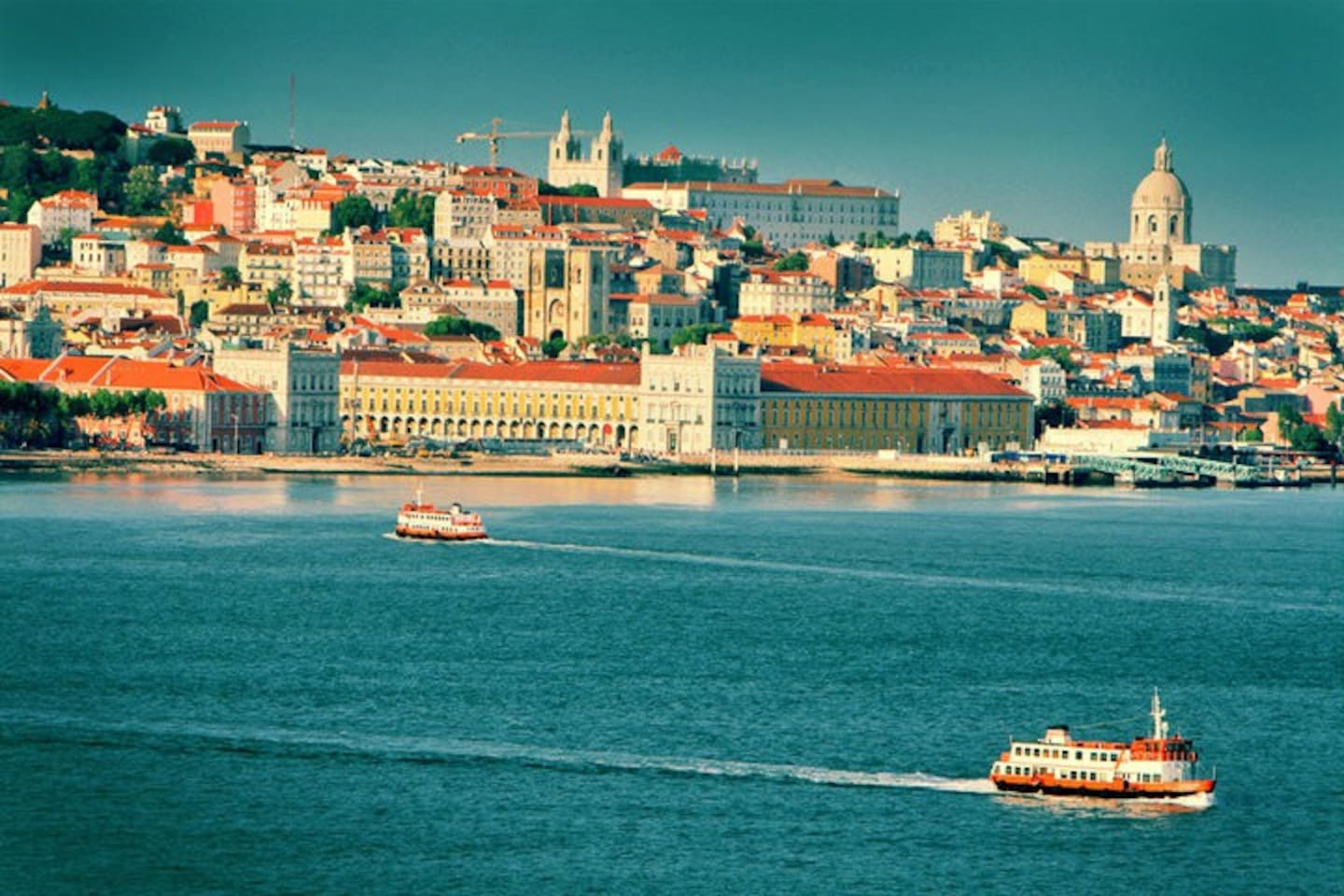 The REAL VIEW of Lisbon that you only get in the south side of the River Tagus - Almada / Cacilhas.