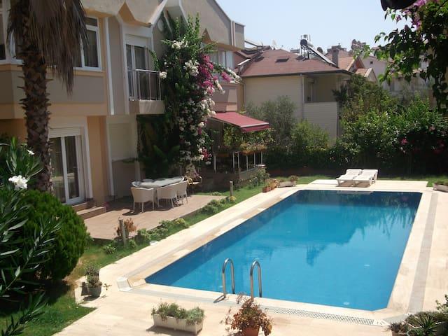 Villa Rose in Armutalan, Marmaris - Armutalan Belediyesi - Villa
