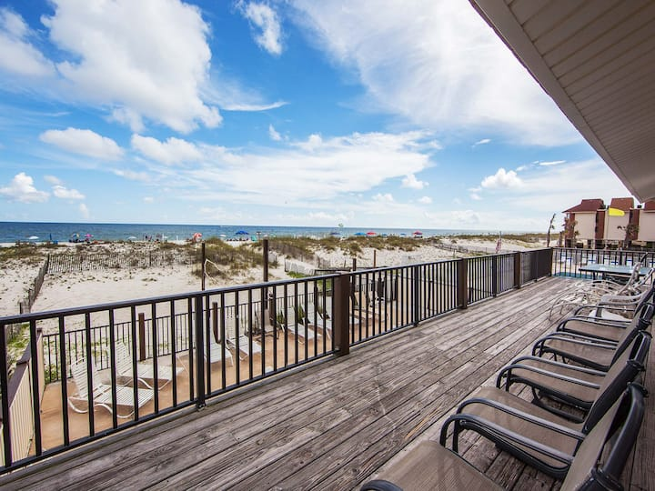 SeaRae. Gulf Shores. 5BR Beachfront. Pool. Nice!