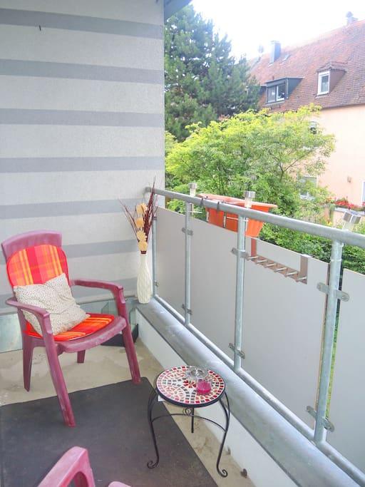 appartement mit balkon zentral ruhig renoviert wohnungen zur miete in n rnberg bayern. Black Bedroom Furniture Sets. Home Design Ideas