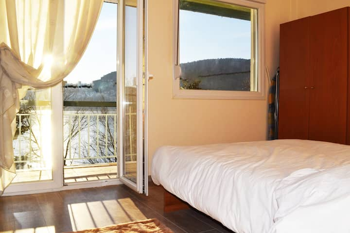 Kastoria apartment-in front of the lake,south side