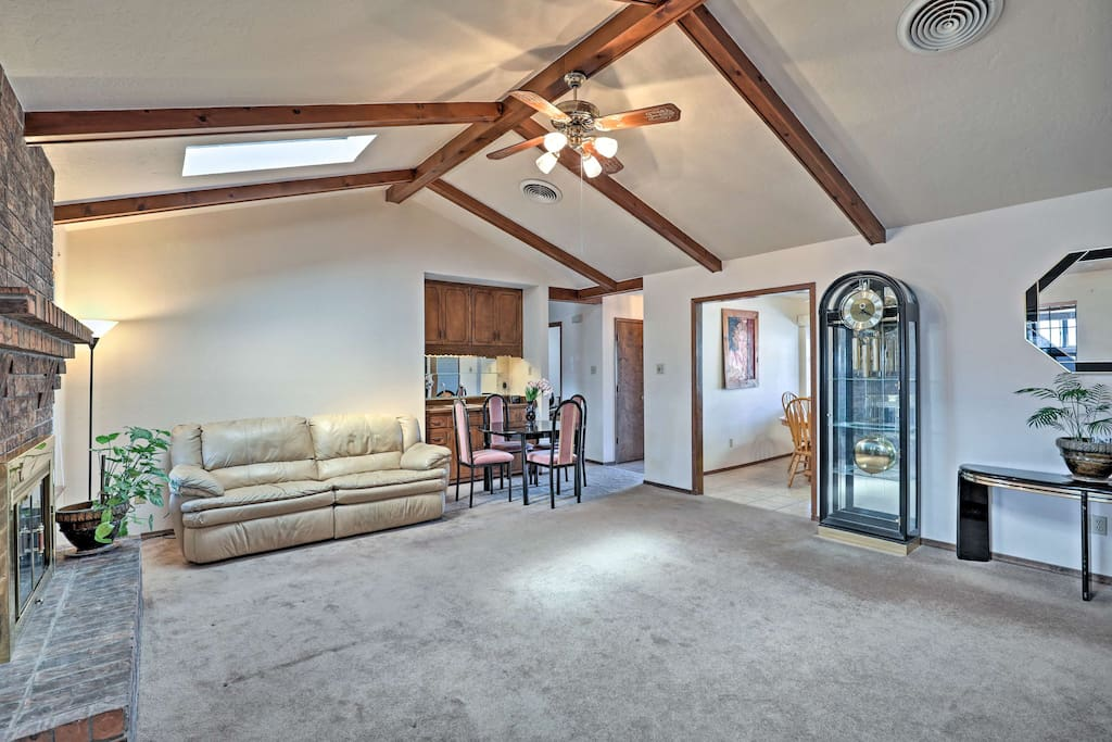 This home sleeps up to 6 with 2 bedrooms and 1 bath in Alamogordo.