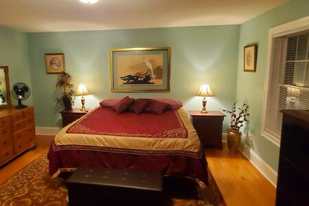 Sanctuary Room w/ King Bed, TV & desk