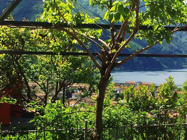 Nice Apartment with lake view - Porlezza - Apartament