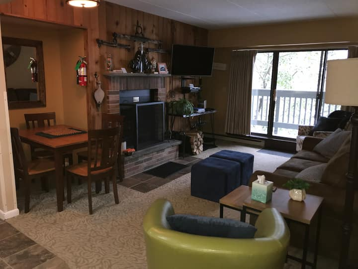 Snowshed, Ramshead Ski Lodges in walking distance!