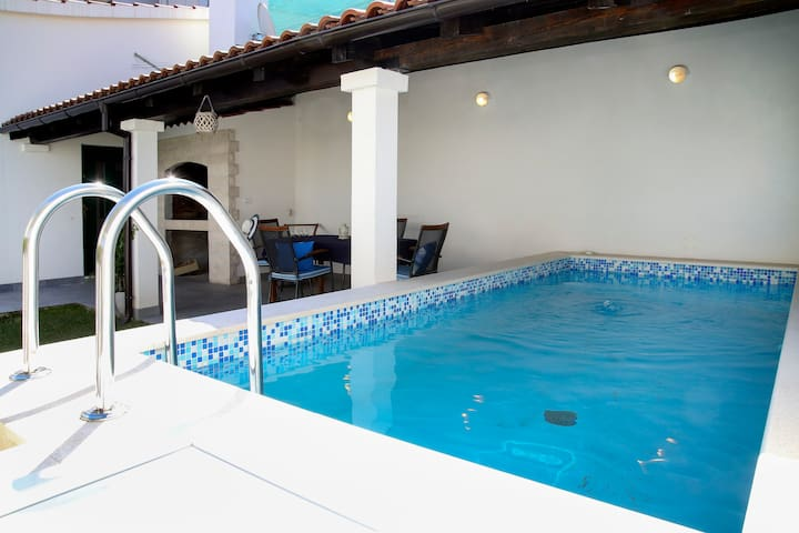 Relax holiday home with pool ; Split