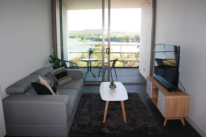 Canberra Luxury Apartment 4