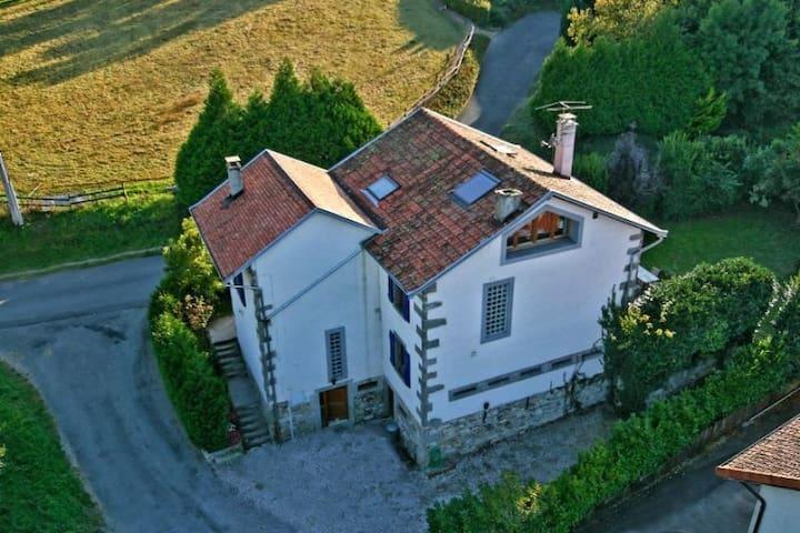 Belle maison proche Genève - Dingy-en-Vuache - Hus