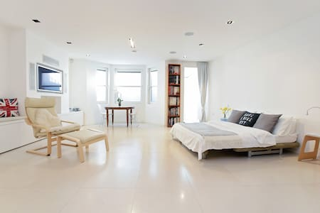 Spacious modern basement flat