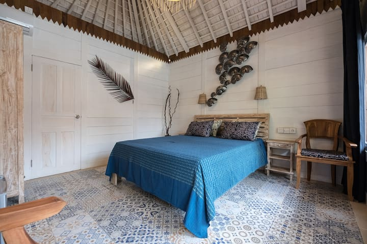 Easy Surf Camp Bungalow double room beach front