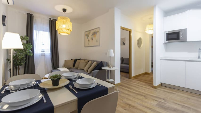 Charming 2-bedroom apartment (CENTER)