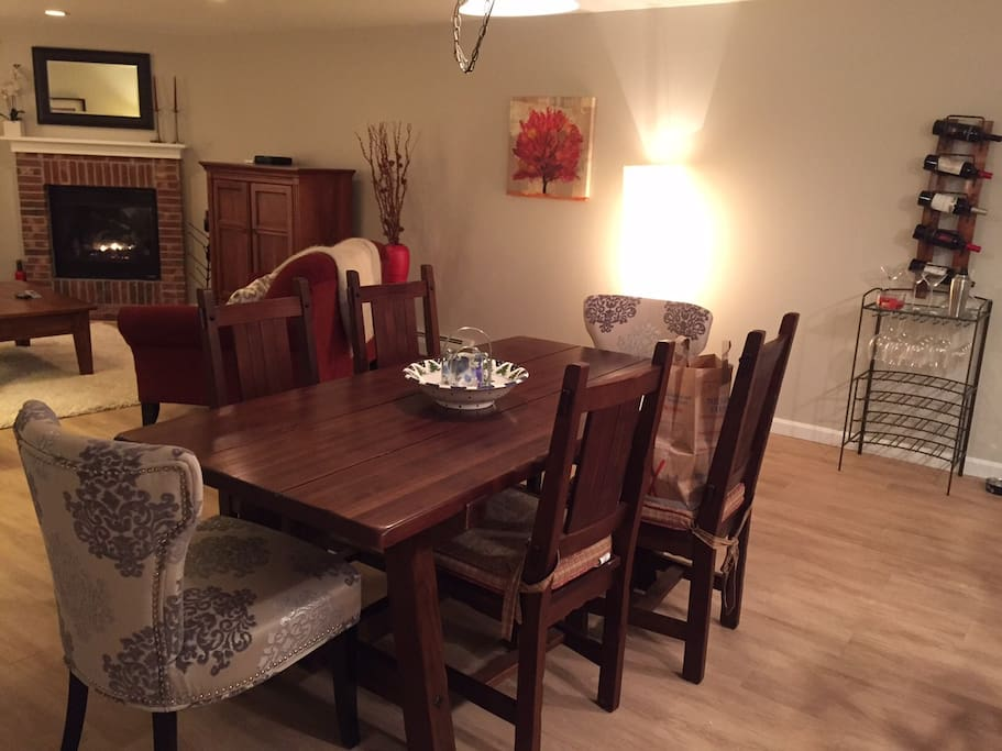 Dining area for 6 or more