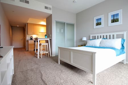 Awesome Studio few blocks 3rd St & Pier BI210 - Santa Monica - Lejlighed