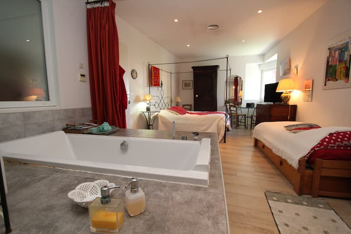 Chambre-studio ds villa, piscine, prox. vieux-port
