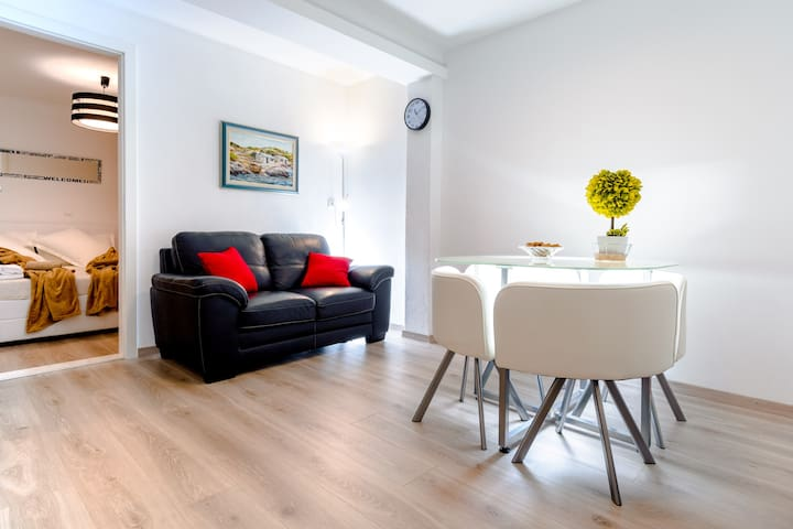 Lovely new apartment for couples, friends, family