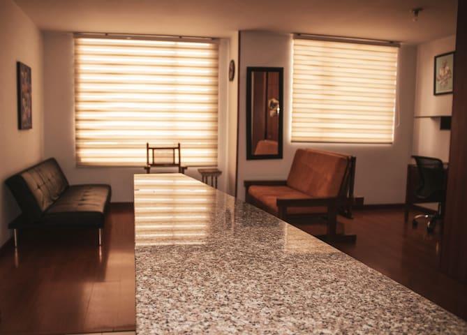 Apartamento entero con balcón y acogedora vista