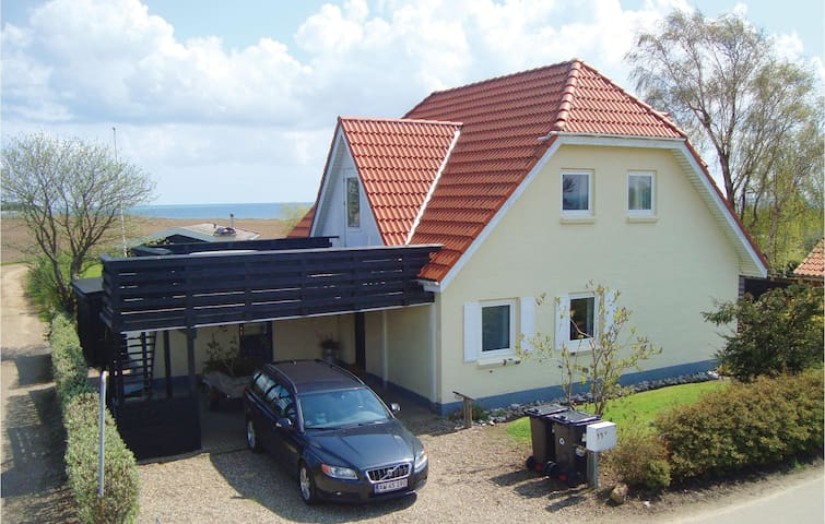 Holiday cottage with 4 bedrooms on 162m² in Sydals