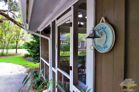 Romantic Nautical Cottage - Wadmalaw Island - Ház