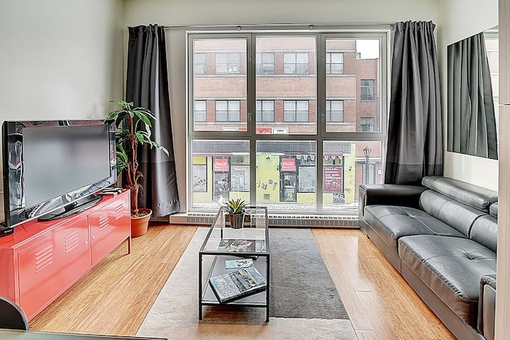 Quartier des spectacles #202 Studio apartment