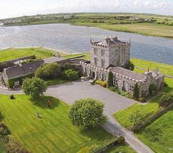 Private Castle Accommodation - Kilcolgan