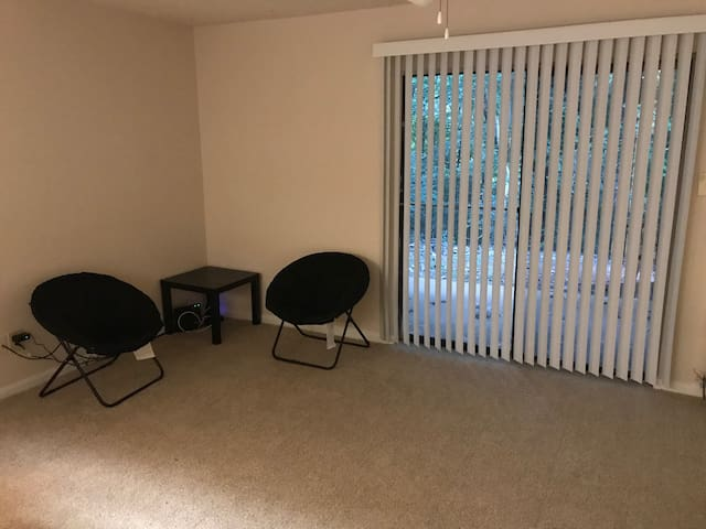 Living Room with 2 Chairs and End Table