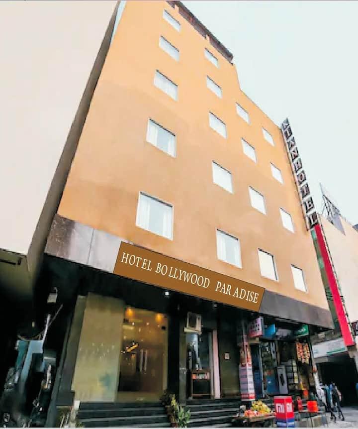 HOTEL BOLLYWOOD PARADISE